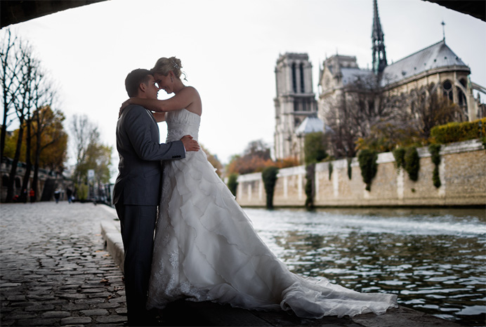 Love Gracefully ceremonies in Notre Dame