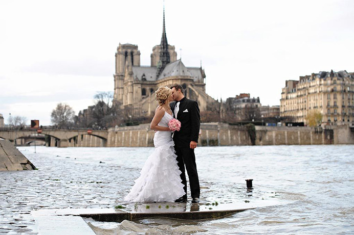 Love Gracefully Ceremonies in Paris