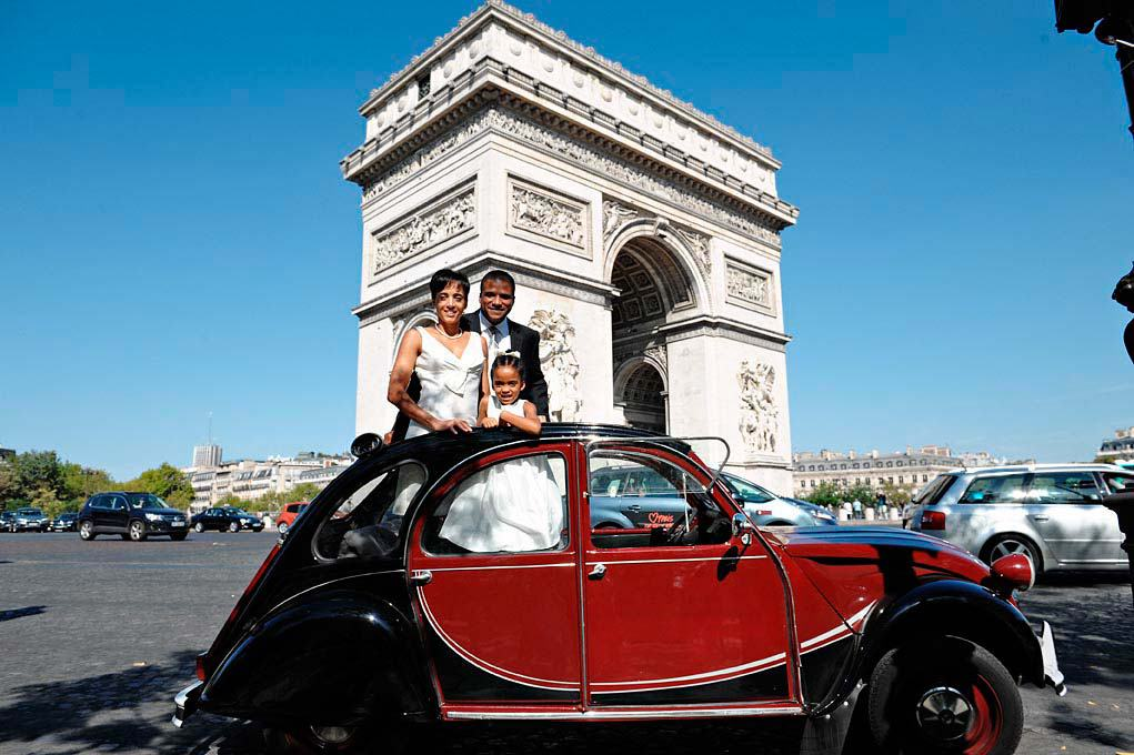 Love gracefully Vow renewals at Rodin Museum Paris