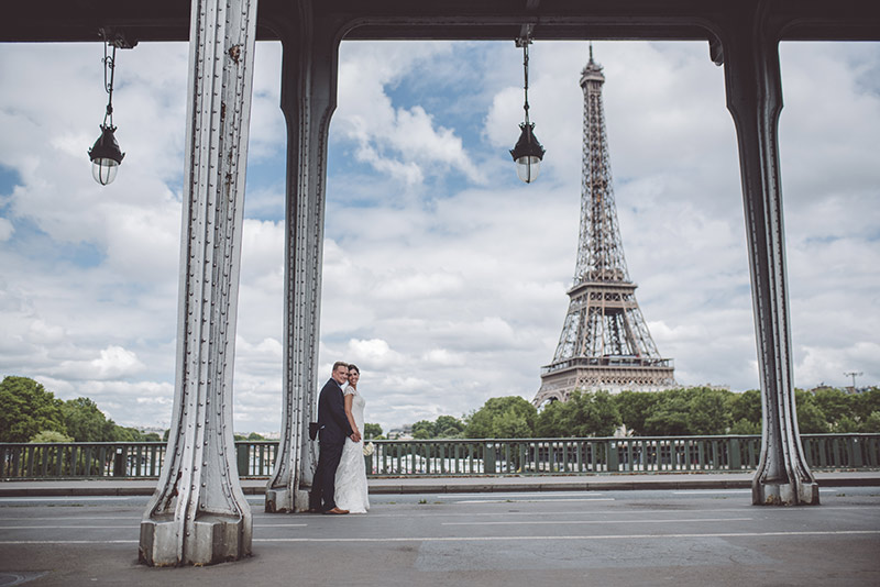Personalized intimate elopement ceremony in Paris