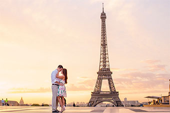 Romantic Elopement in front of the Eiffel Tower