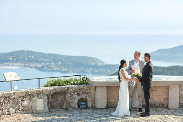 Elope in Eze (French Riviera) close to the Mediterranean Sea