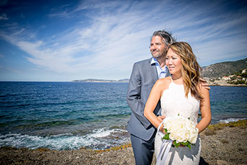 Enjoy the wonderful mediterranean sea in your French Riviera elopement