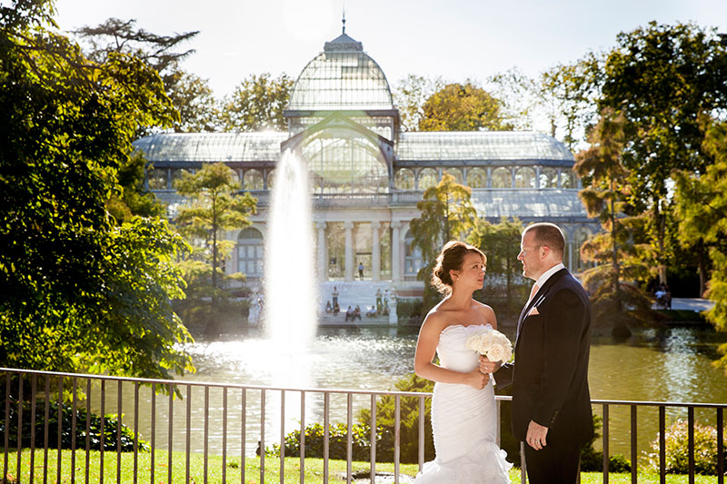 Personalized and intimate Madrid Elopement, elegant and chic