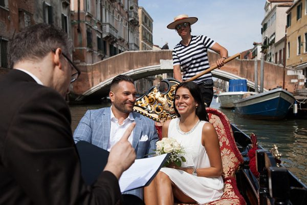 Where to elope in Italy? A Gondola in Venice!