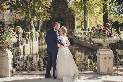 Happy couple eloping in Paris